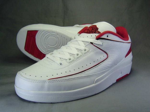 Air Jordan 2 Low White / Black - Varsity Red