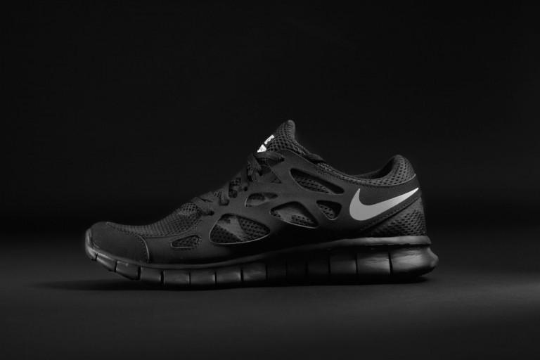 d65c9f95f0b55 ShoeFax - Nike Free Run 2 Triple Black