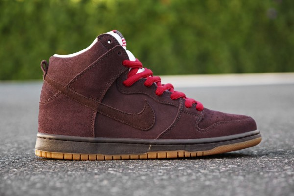 Nike Dunk High SB Budweiser