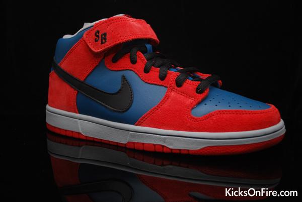 224d6c5a658b40 Nike Dunk Mid Pro SB Spiderman