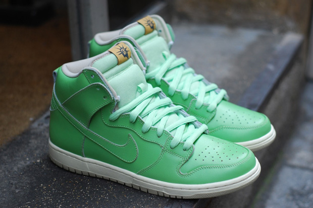 Nike Dunk High SB Statue of Liberty
