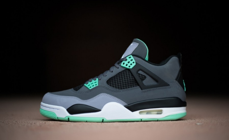 competitive price b6d2e 2674f Air Jordan 4 Green Glow