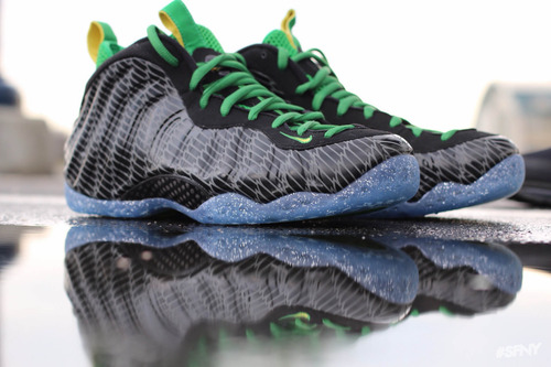Nike Air Foamposite Oregon Ducks