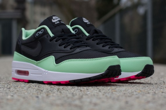 Nike Air Max 1 FB Yeezy