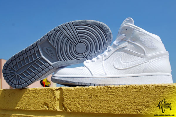 ShoeFax - Air Jordan 1 Phat White   Wolf Grey - White b86eedcbe2